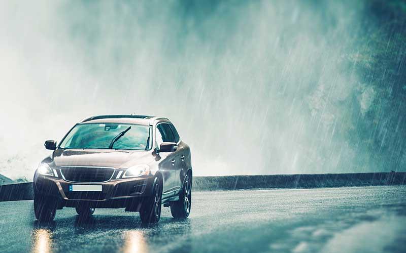 driving-in-heavy-rain